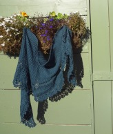 A Modern Victorian Shawl_shed2_med
